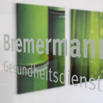 Bremermann Gesundheitsdienste - Glastür